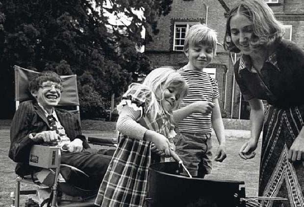 Стивън Хокинг и семейството