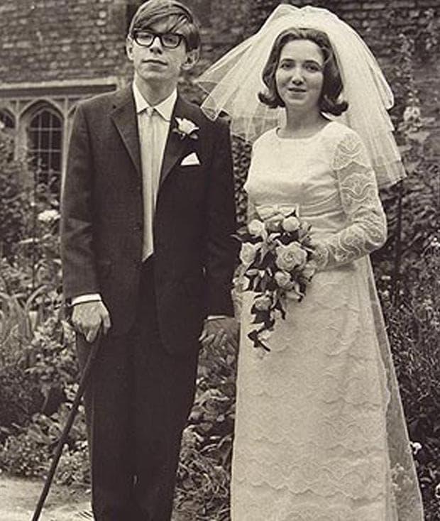 Стивън Хокинг и съпругата му