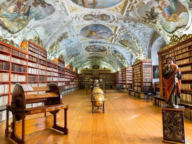 Библиотека в Прага