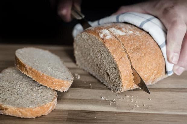 разрязване на хляб