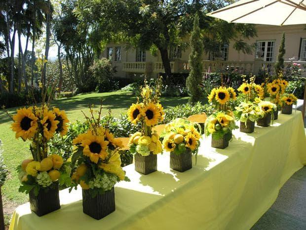 декорация със слънчогледи