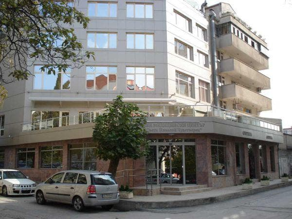 Очна клиника Св. Николай Чудотворец - Варна