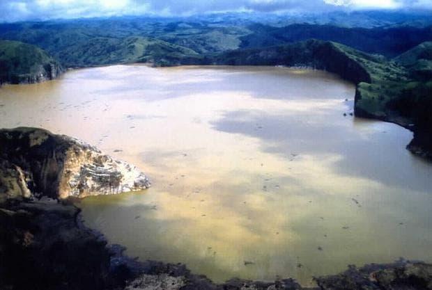 езеро Ниос