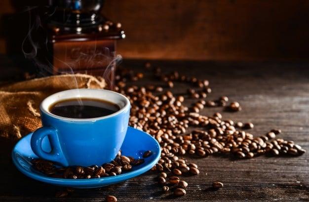Съдържащи кофеин напитки