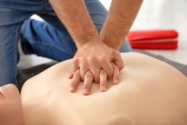 Сърдечен масаж (за възстановяване на кръвообращението)