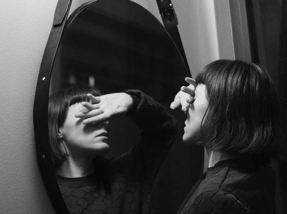 момиче, огледало