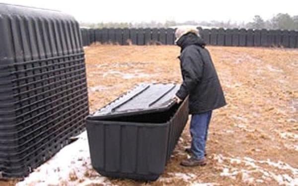 Пластмасови ковчези