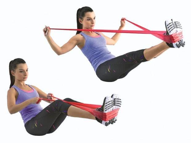 Упражнение с ластик за корем