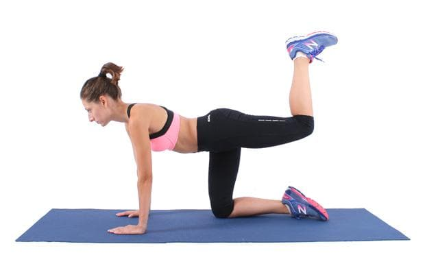 упражнение за крака - ритник назад