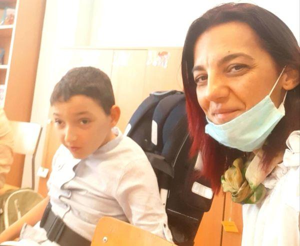 Мама и Мишо в класната стая