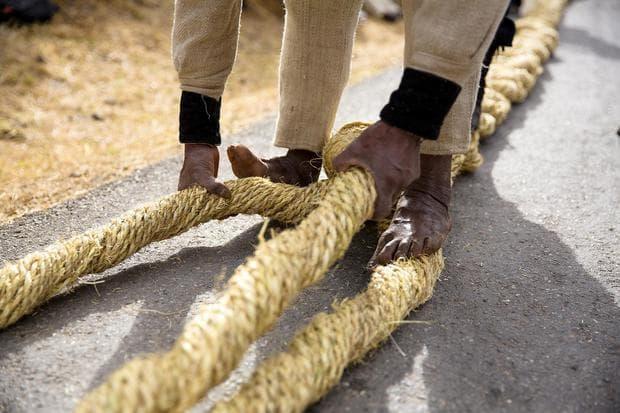 Въжетата на мост