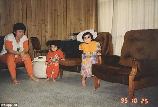 Вивиан Нури със семейството си