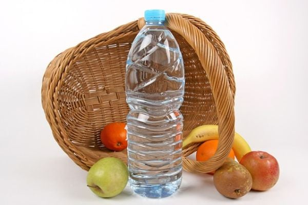 Плодове и вода