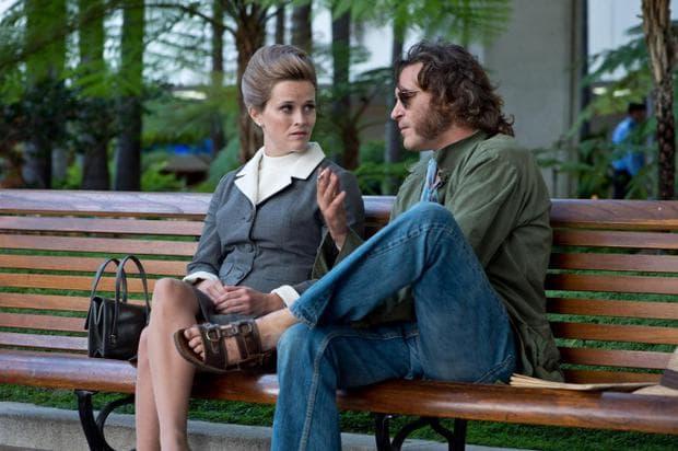 Мъж и жена на пейка