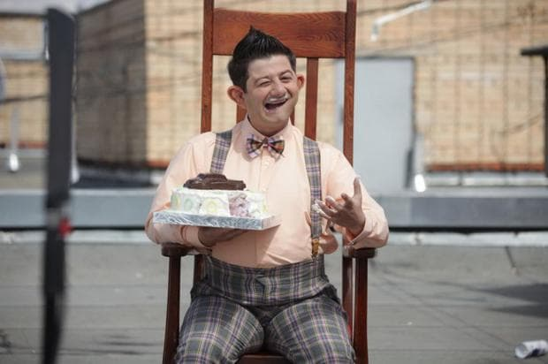 Идиот с торта