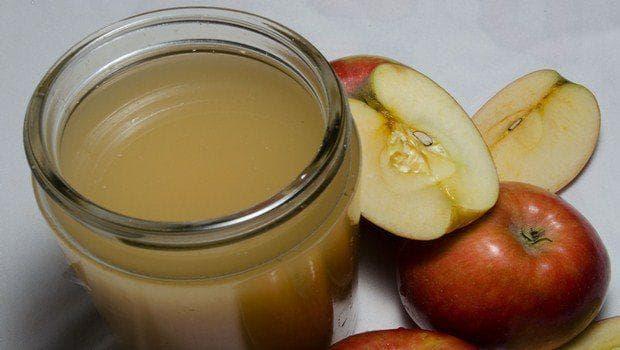 Ябълков оцет и ябълки