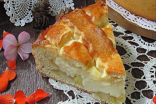 Ябълкова  питка с ванилов крем