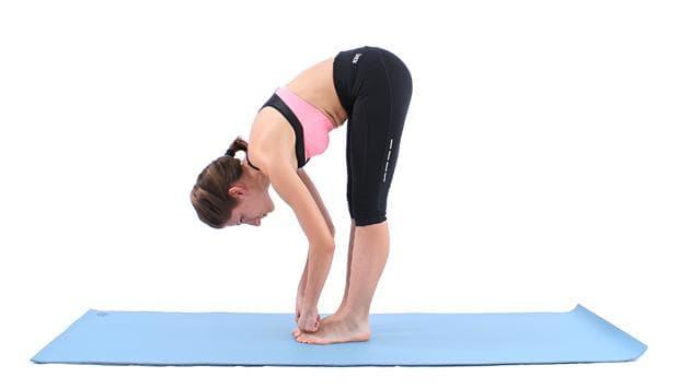 Йога поза - Хващане на палците на краката