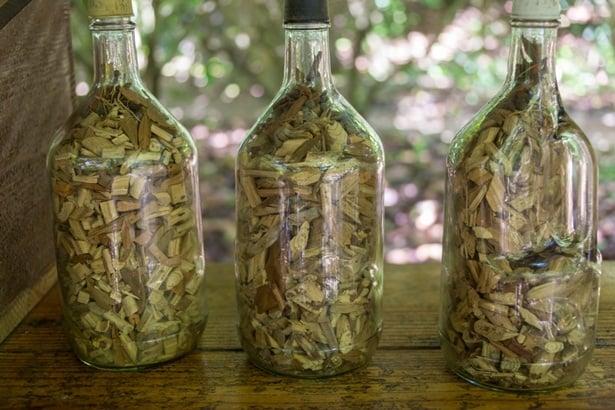 Кора от дърво в стъклена бутилка