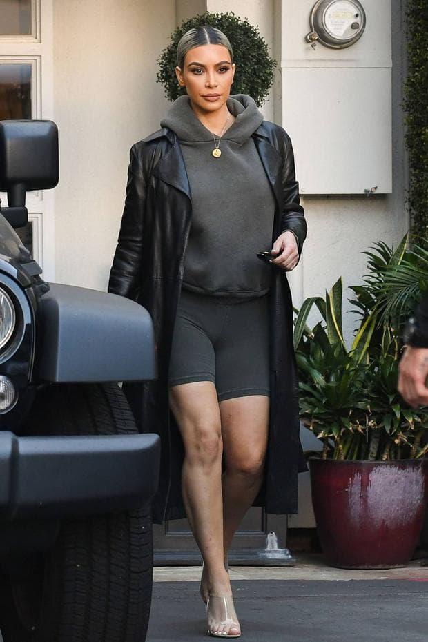 Ким Кардашиан с клин за колоездене