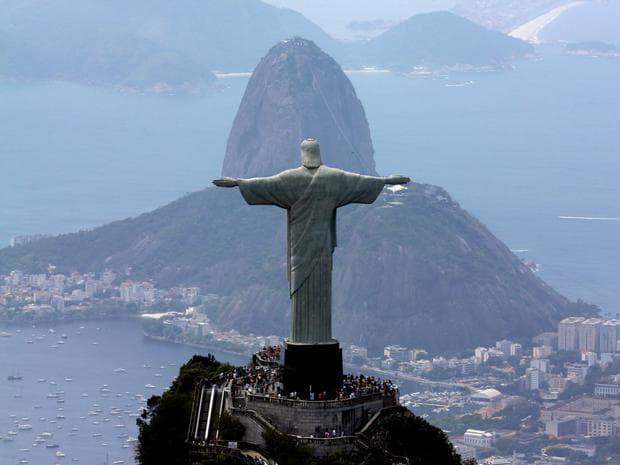 Статуята на Исус Спасител