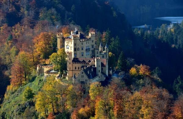 Замъкът Хохеншвангоу