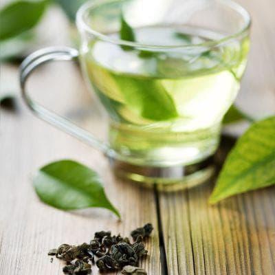 Зелен чай в чаша