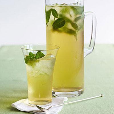 Студен зелен чай