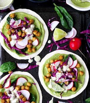 такос със зеленчуци и нахут