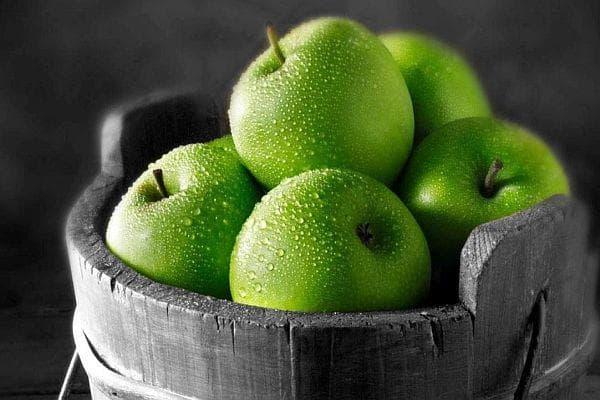 зелени ябълки
