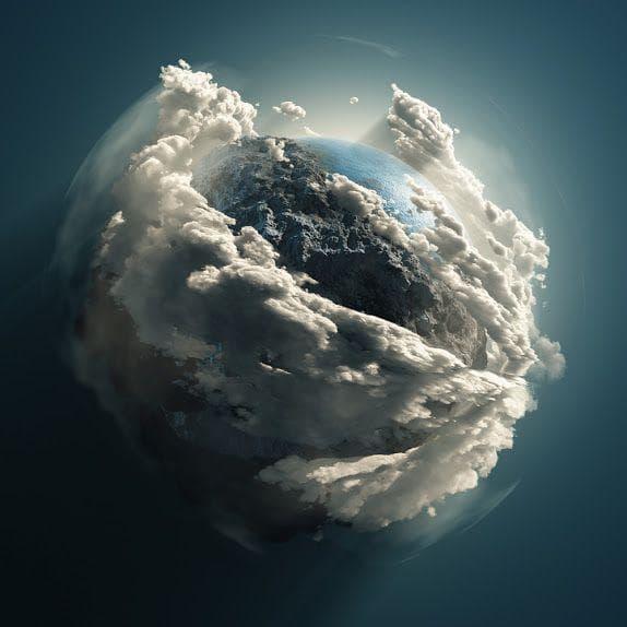 Планетата с облаци