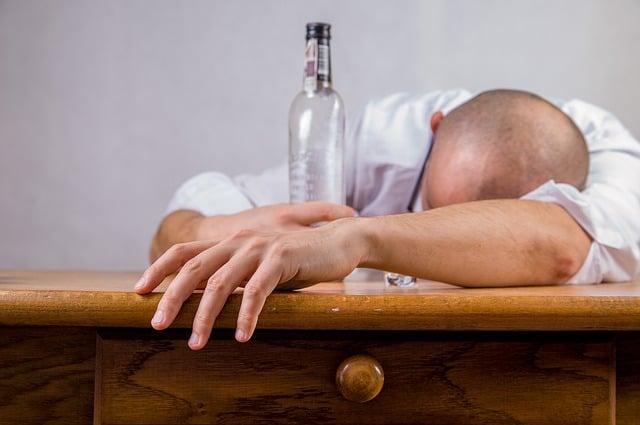 Злоупотреба с алкохол