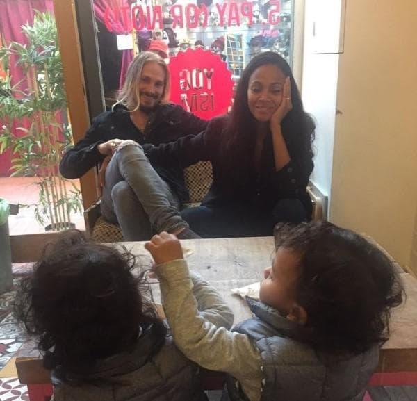 Зоуи Салдана и близнаците й