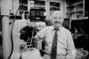 Принос на Кийт Робъртс Портър в микроскопията