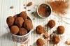 Шоколадови трюфели от авокадо с ванилов аромат