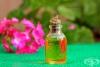 Как да ликвидираме главовите въшки с помощта на етерично масло от здравец?