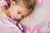 За бързо сваляне на температурата намажете детето с ракия, белтък и оцет