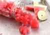 Заздравете ставните връзки с желирани бонбони от лимон и диня