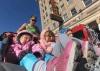 Синтия Арнолд подобри маратонски рекорд, бутайки количка с трите и деца