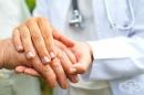 Как да спрем треперенето на ръцете с билки и натурални средства