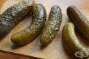 Кисели краставички - състав, полезни свойства и вреда