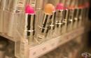 Безопасно ли е да се използват тестери в магазините за козметика
