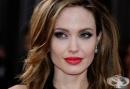 """Анджелина Джоли отново влиза в ролята на режисьор в драмата """"Unbroken"""""""