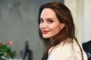 Анджелина Джоли и BBC създават предаване, което ще помогне на децата да  различават фалшивите новини