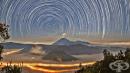 Невероятни снимки на среднощното небе, в които ще се влюбите