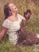 Бременна си направи фотосесия с 20 000 пчели