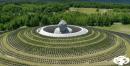 Спираща дъха гледка: Буда, заобиколен от 150 000 растения лавандула