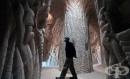 Артист прекарва 10 години в резбарство на гигантска пещера -  сам със своето куче (галерия + видео)