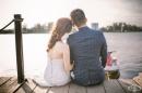 Любов по време на коронавирус: нюйоркска двойка се венча под прозореца на свой приятел