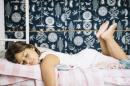 Как да научите детето да спи в собственото си легло?